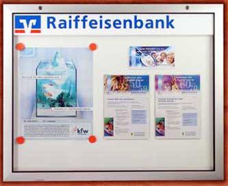 ordungssysteme-schaukasten-bank
